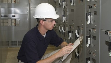 QUALIFIED ELECTRICAL CONTRACTORS IN THE QUAD CITIES